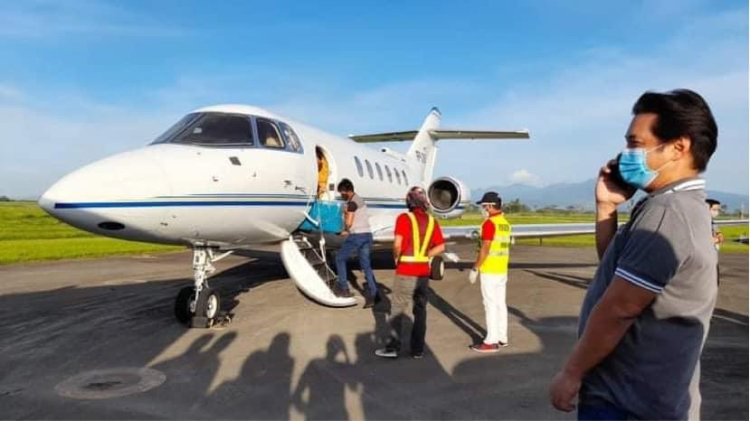Albee takes private jet to speed up vaccine delivery in Bacolod, NegOcc